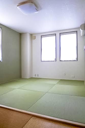 洋室から畳部屋